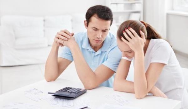 финансовый кризис в семье. как выйти из финансового кризиса в семье. как пережить финансовый кризис в семье. проблемы в семье из-за денег.